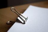 Dokumenty spięte klipsem
