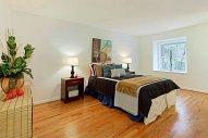 przestronna i nowoczesna sypialnia