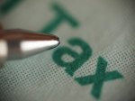 długopis i napis tax