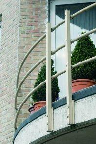 Dzięki kotwie chemicznej bez problemu zamocujemy balustradę.